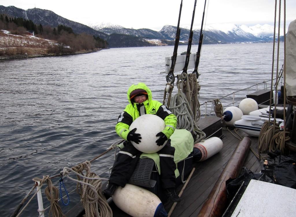 Леныч в роли старшего помощника капитана.